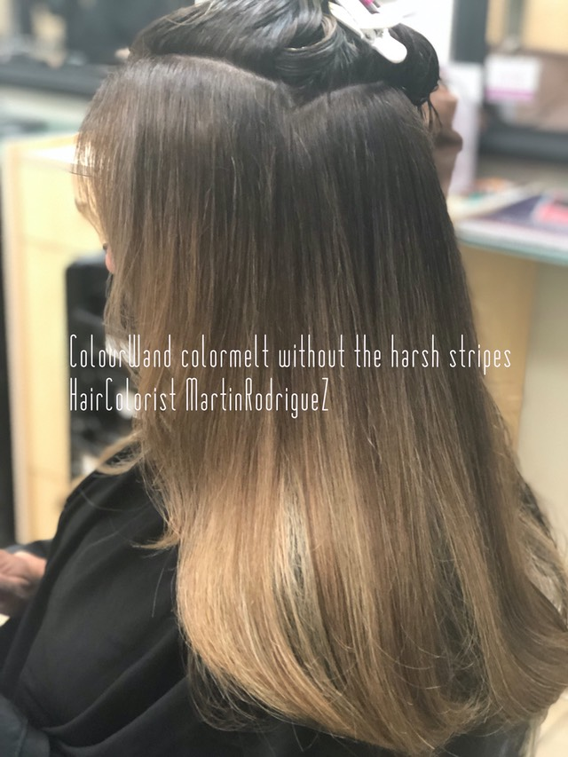 Brunette hair is very difficult to avoid the orange tones when you lighten the hair, Martin Rodriguez understand what it takes to avoid the unwanted orange color that ends up looking brassy.