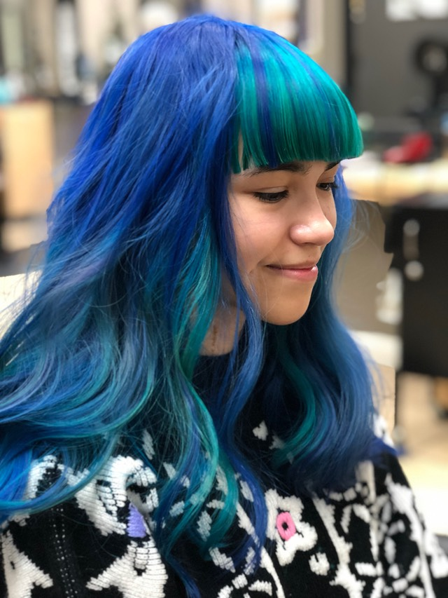 blue hair with beach waves