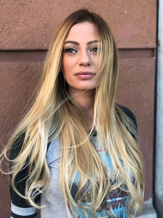 Contouring balayage color on long hair
